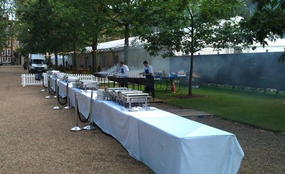 bands for garden party in London, band for summer garden party, pool party, terrace party London, call 0208 421 2987 to book