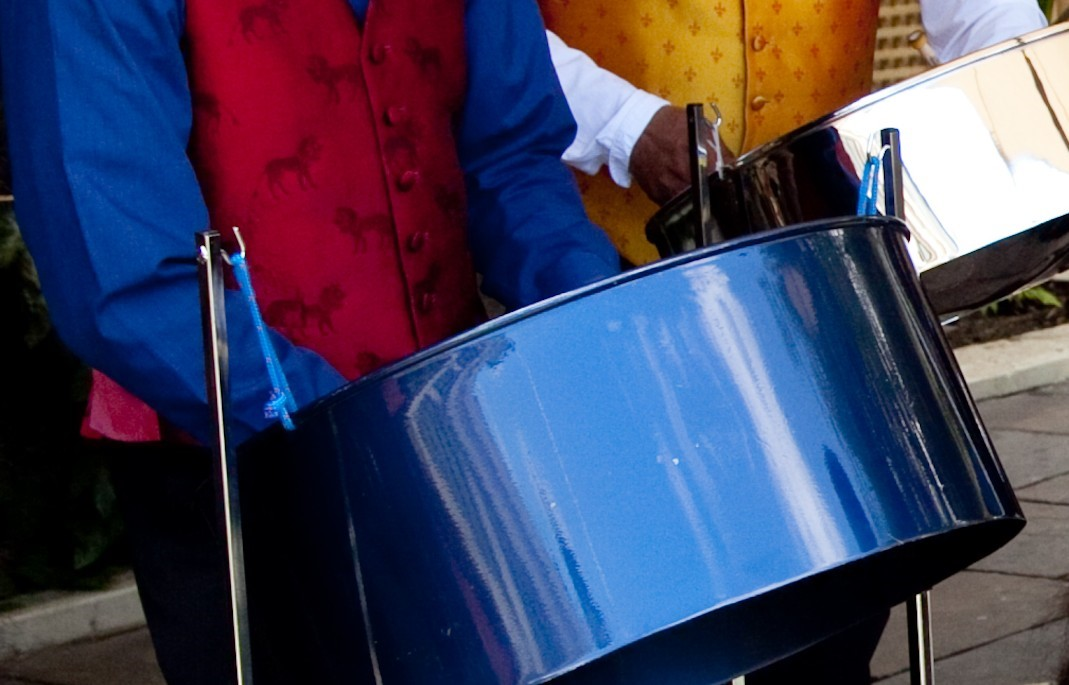 wedding reception music London, hire a well presented steel band ensemble to perform during your champagne reception, band for wedding drinks reception Windsor, (Ascot, Sunningdale, Sunninghill,)
