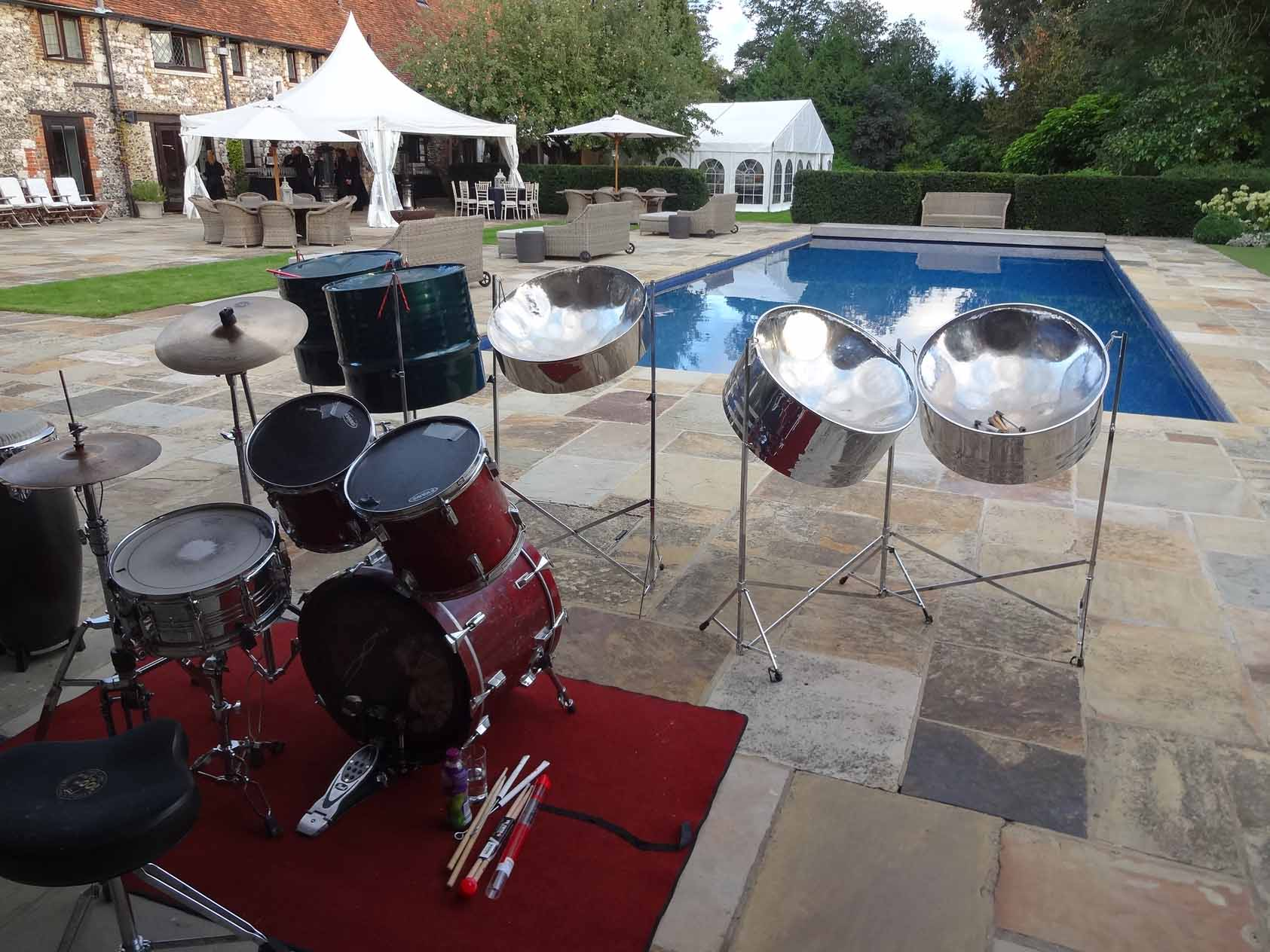 Steel bands hire Surrey, live band for party, live band hire London, musicians for small party, bands for hire Kensington,